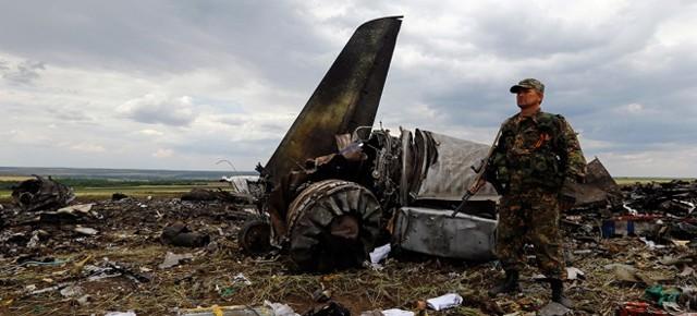 Террористы сбили Ил-76 под Луганском, 49 человек погибли