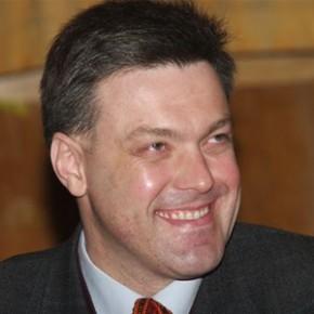 Тягнибок призывает ввести военное положение на востоке Украины