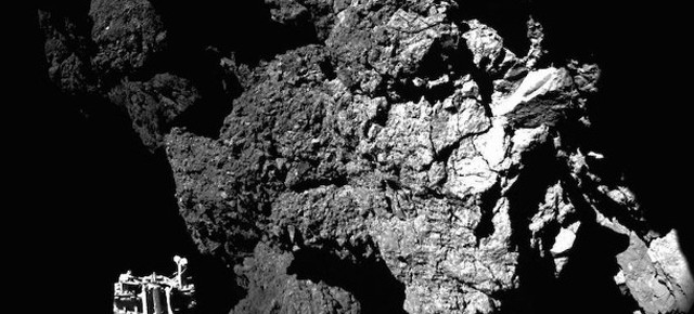 """Зонд """"Philae"""" передал первый снимок с поверхности кометы на Землю"""