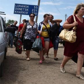 Почему люди Донбасса бегут в Россию?