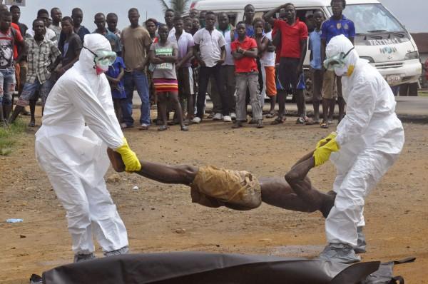 Эболой заразилось уже свыше 27 тыс. человек, есть россияне