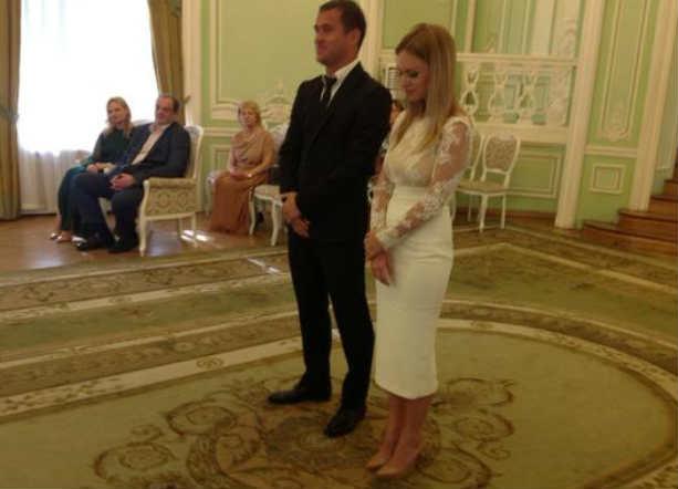 Оскандалившийся Александр Киржаков и Милана Тюльпанова сыграли свадьбу