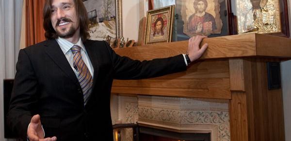 Сергей Матвиенко - хороший сын, как долларовый миллиардер оказался любимым маминым мошенником