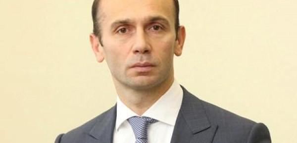 Судья Артур Емельянов: как рейдер Януковича-Портнова остался при деле?