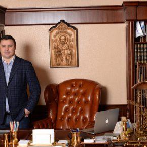Максим Микитась и Андрей Кравец: «УкрБуд» завхоза Януковича
