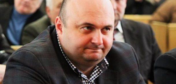 Председатель Хмельницкой ОГА Александр Корнийчук собрал миллионы мзды вместе с пособием по безработице